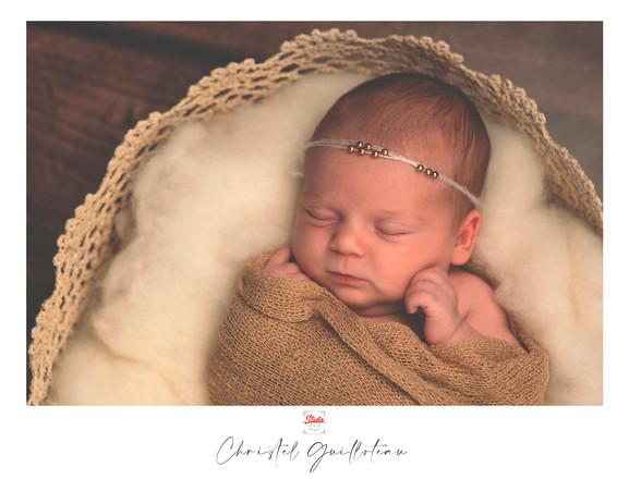 ChristelG-NewbornStudio8.jpg