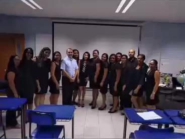 Acadêmicos do 7º período de Pedagogia prestam homenagem aos professores