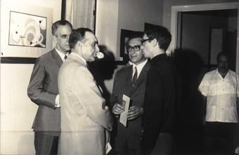 Exposição de pintura e desenho, em Bissau, em 1968. A inauguração desta exposição foi o primeiro ato oficial de António Spínola, então Governador da Guiné.  Col. particular Álamo Oliveira