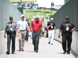 Mickelson a 'Man of the People'- Wearing an Outfit Worth?