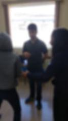 Alunos Qualify em ativdade durante a aula do curso super intensivo de inglês.