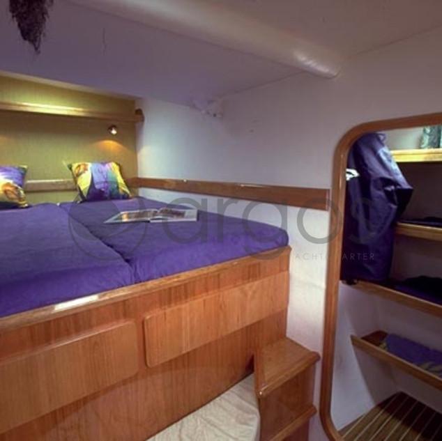 argos-yachtcharter-privilege-435-4-kabin