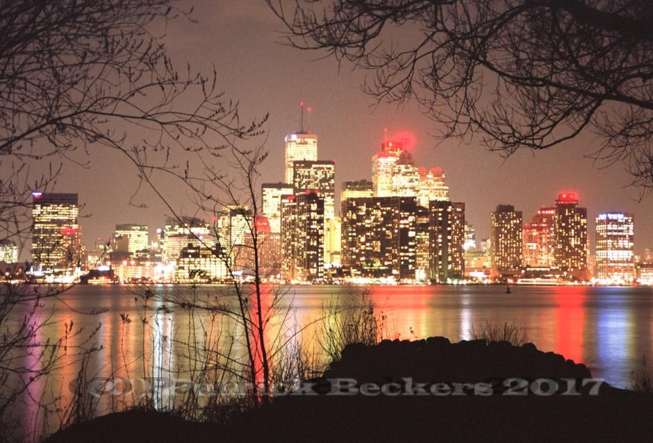 Toronto skyline at night - 2001