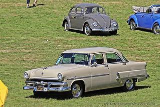Ford Customline Fordor Sedan - 1953