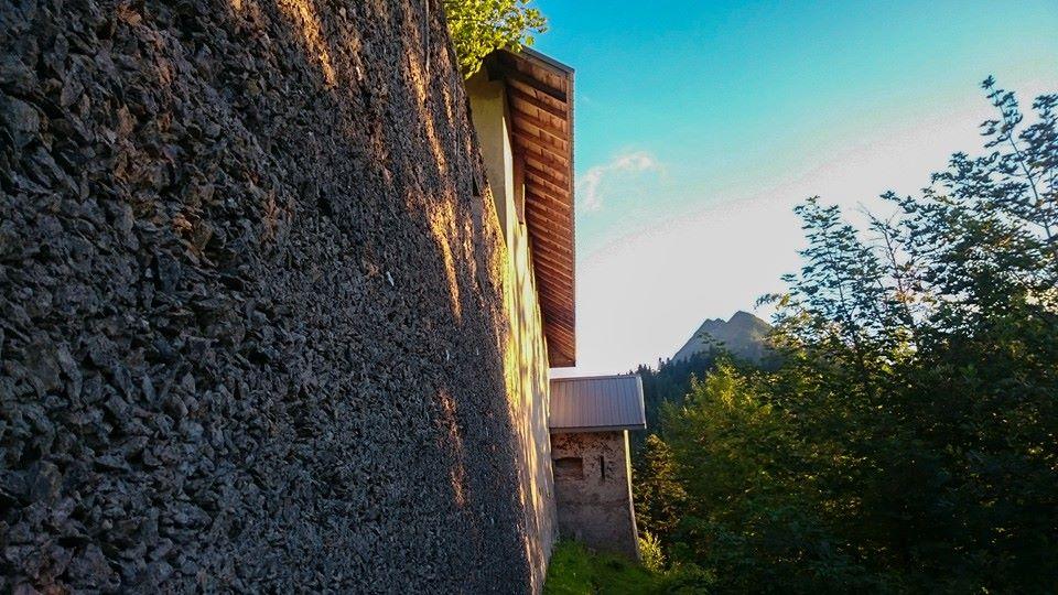 Mur d'enceinte arrière