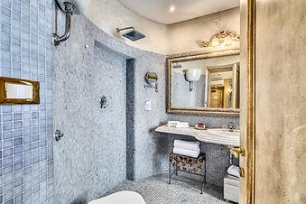 hotel romanica bath2.jpg