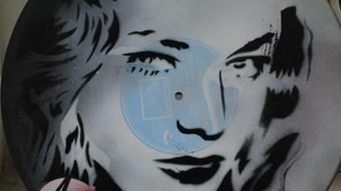 Lauren Bacall, pochoir sur vinyle