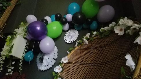 Homemade balloon arch.jpg