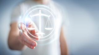 L'avocat face a la concurrence des legaltech: quelle pérennité pour la réglementation de l'exerc