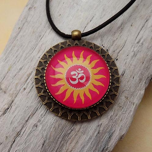 Orientalische Kette mit Sonne und Om, YogaSchmuck