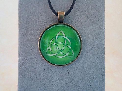 Lederkette mit keltischem Medaillon, Triskel Grün