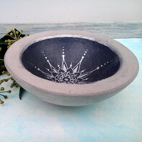 Schale Beton, Schwarz und Silber mit Mandala bemalt