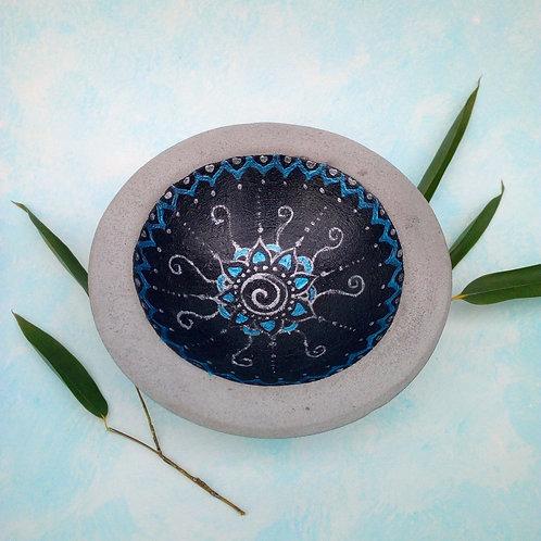 Schale Beton mit Mandala  grau metallisch, orientalisch