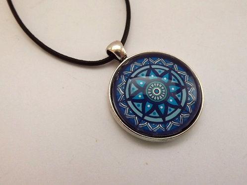 "Cabochonkette mit  blauem Mandala ""open heart"""