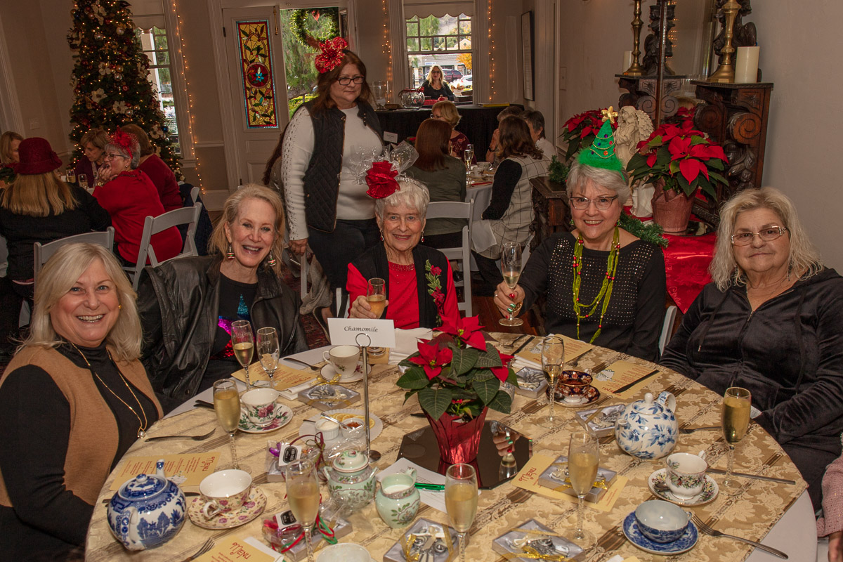 12 Holiday Tea 2019