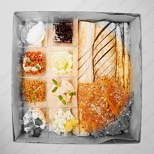 Сет муссов и паштетов с хлебом и гриссини