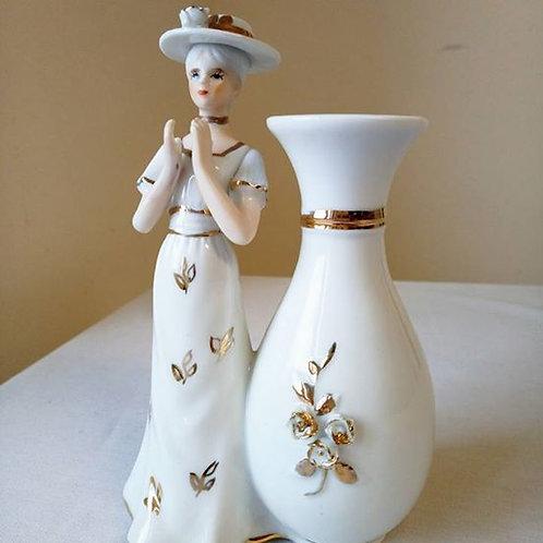 """Статуэтка с вазочкой """"Девушка в шляпке, хлопающая в ладоши"""""""