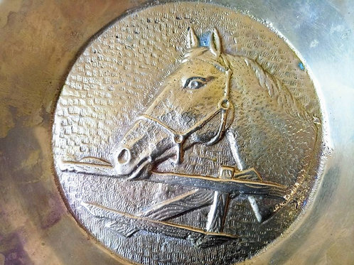 Бронзовая тарелка-панно на стену с барельефом Лошади