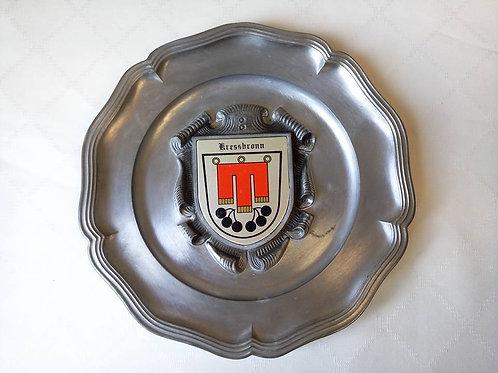 Массивная оловяная тарелка с гербом города