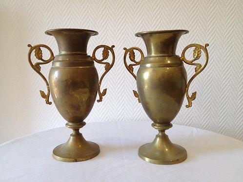 Пара ваз из латуни