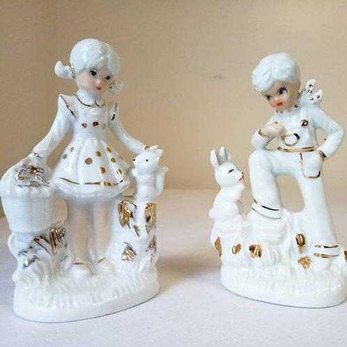 """Две Фарфоровые статуэтки """"Девочка с белочкой"""" и """"Мальчик с зайчиком"""""""