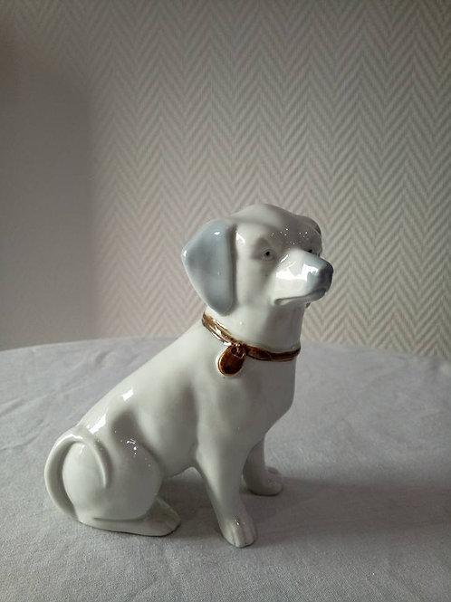 Статуэтка собаки, фарфор, номер в тесте, Германия 60гг (МА)