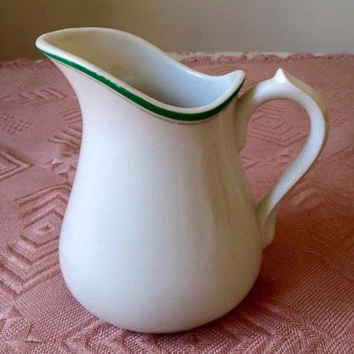 Антикварный фарфоровый кувшин-молочник