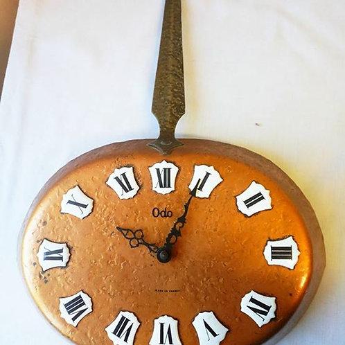 Настенные часы- медная сковорода