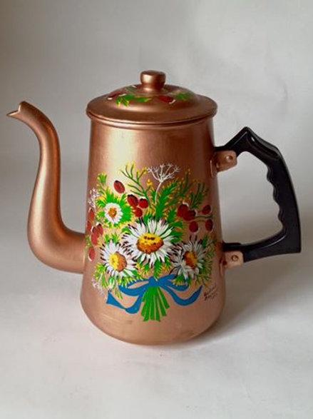 Старинный чайник, обновлен росписью