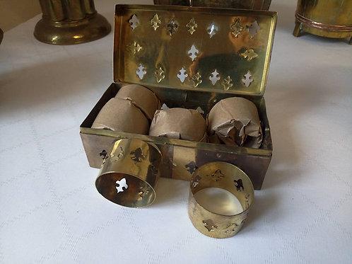 """Набор латунных колец для салфеток в шкатулке """"Королевская лилия"""""""