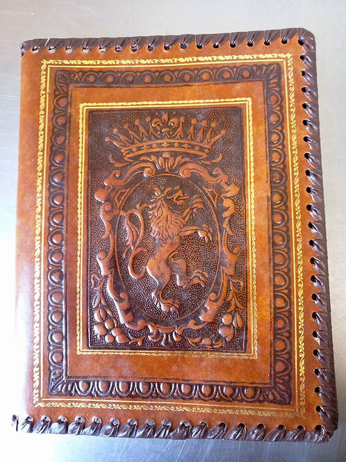 """""""Герб - лев с короной"""" Обложка на книгу, тетрадь, дневник"""