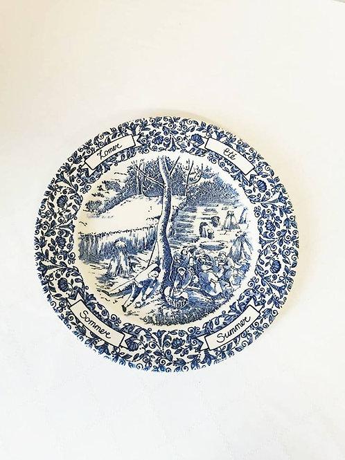 Коллекционная английская тарелка из серии Времена года