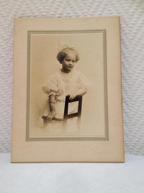 Фотография девочки, Франция 1910г