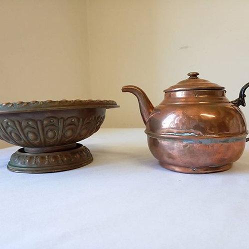 Чайник для заварки и ваза для фруктов или сладостей