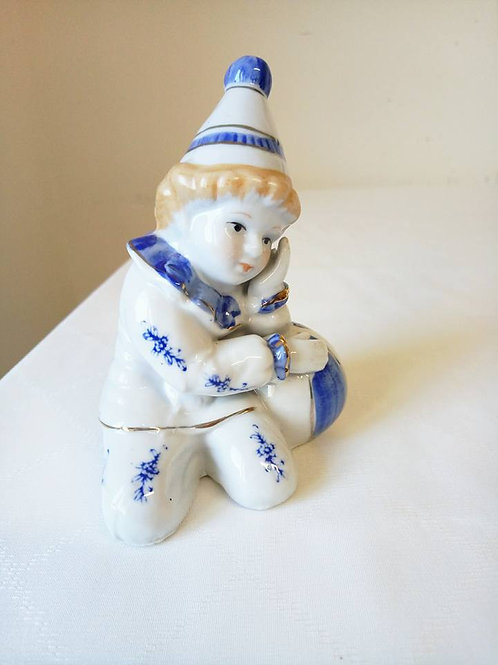"""Статуэтка """"Малыш Пьеро с мячом"""", фарфор, Франция 80гг"""