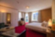 Luxusurlaub in einer Suite mitten in St. Moritz! - Mit Blick auf die Berge, versteht sich.