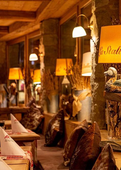 lastalla-restaurant-st-moritz-1.jpg