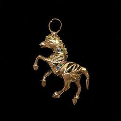9ct gemstone hoorse pendant