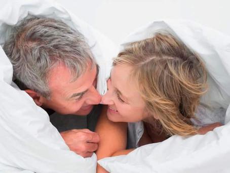 Sexo durante e após a menopausa! Mulheres contam como mantiveram a vida sexual ativa e prazerosa