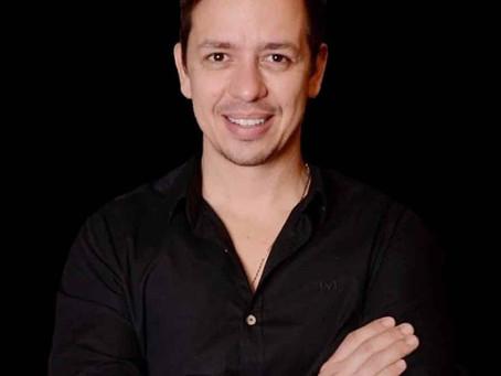 Ricardo Bartet, o dentista dos jovens milionários.