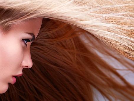 Dietas podem provocar queda de cabelo, saiba como evitar.