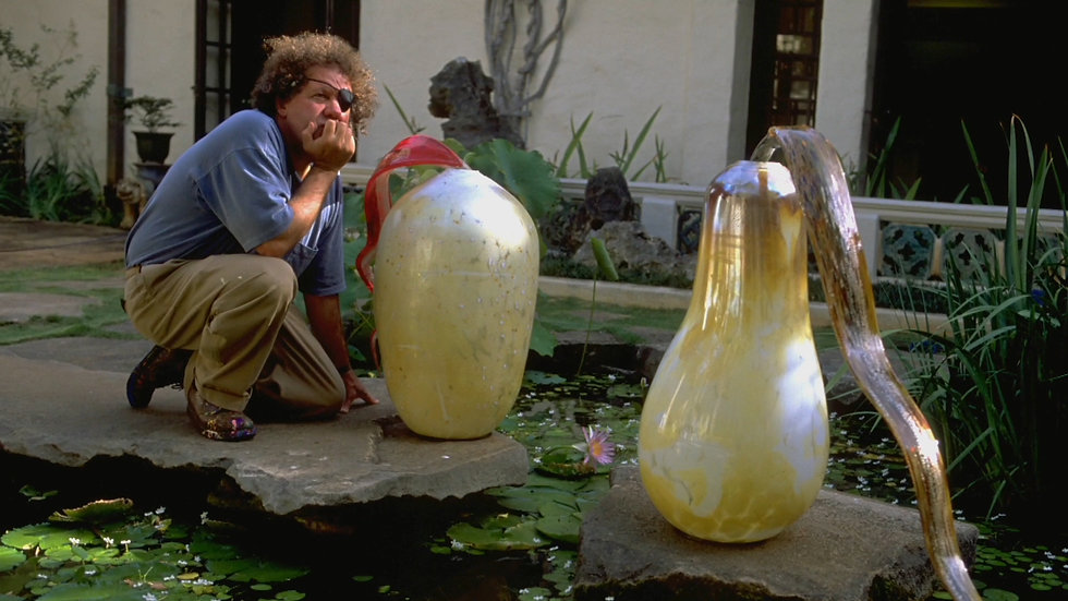 chihuly_chilhulyoutside_final.jpg