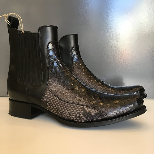 Boots python bout carré SENDRA