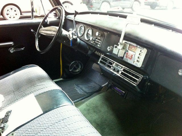 1973 Checker A-12 Interior
