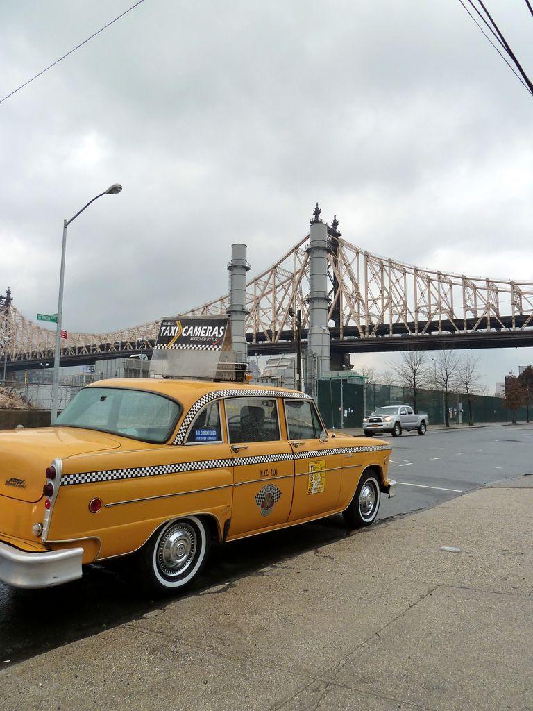 1982 Checker - Queensboro Bridge NY