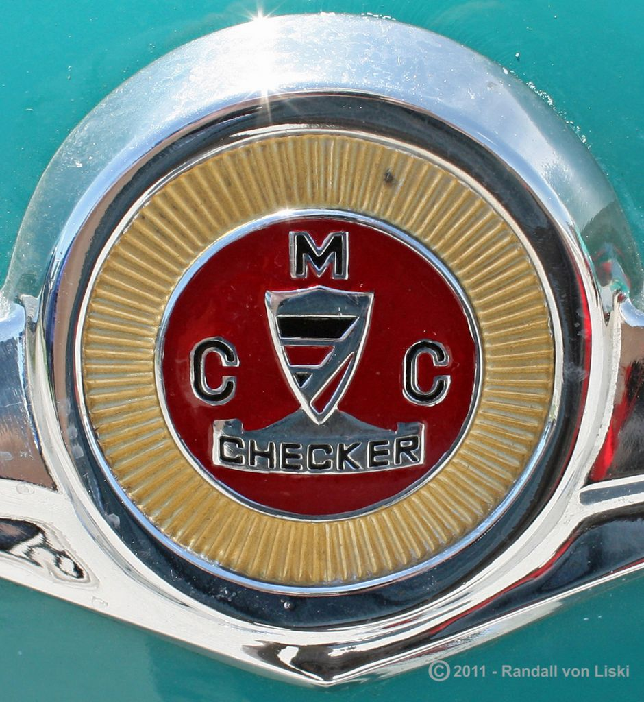 1963_checker_marathon_station_wagon_2011_03_a.jpg