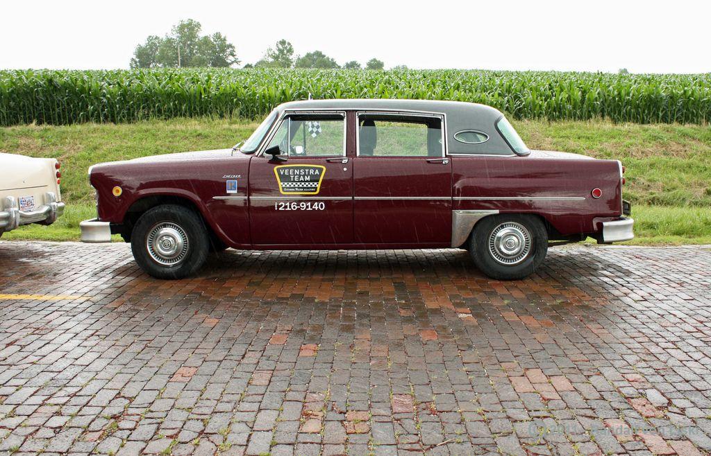 1982_checker_a11_sedan_2011_04.jpg