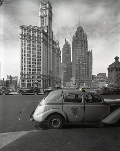1939 Checker Model A - Chicago Wacker Dr