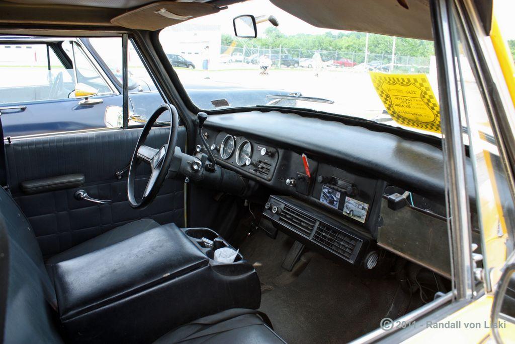 1982_checker_a_11_taxi_2011_06.jpg