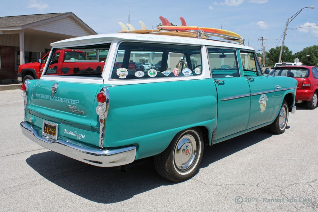 1963_checker_marathon_station_wagon_2011_13.jpg